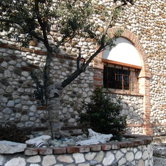 sasso rustico rivestimento pietra 01
